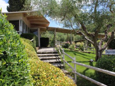 https://www.weddintuscany.it/wp-content/uploads/2020/06/Ristorante-agrituristico-le-tre-Fonti-Roselle-la-veranda-1-400x300.jpg