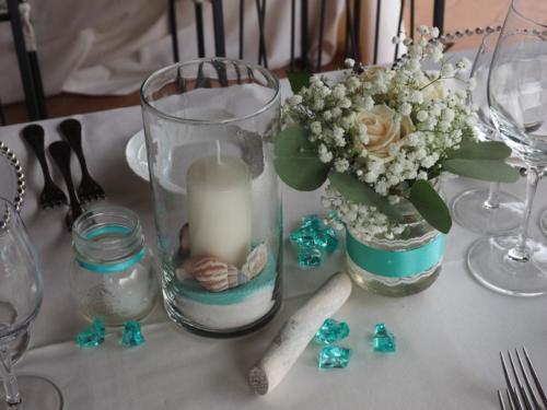 Centrotavola e rifiniture con candele e tea light
