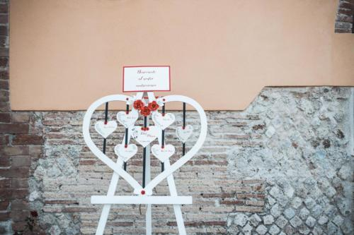 Weddintuscany-Matrimonio-in-rosso-e-nero-tableau