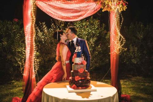 Weddintuscany-Villa-Passerini-Roselle-Wedding-night-kisses
